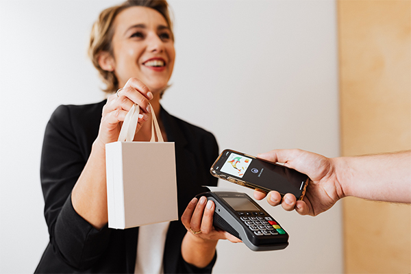 Contactless payment and Augmented Reality: CX aids during COVID
